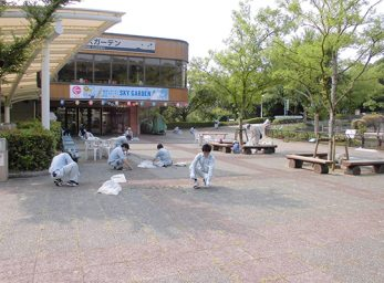 とべ動物園敷地内清掃奉仕活動に参加しました!